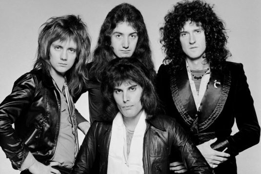 queen-portrait-circa-1975-billboard-1548-900x600.jpg